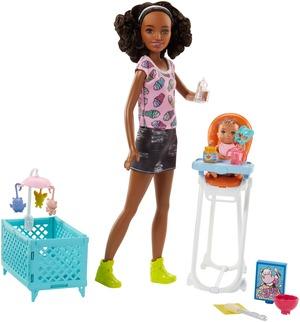 """Barbie """"Skipper Babysitters Inc."""" Puppen und Hochstuhl Spielset (schwarzhaarig) FHY99"""