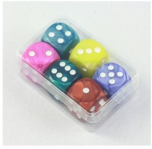 Weible Spiele Würfel Pearl ass. 6 Stück 16 mm, Acrylglas, in Klarsichtbox 61940049