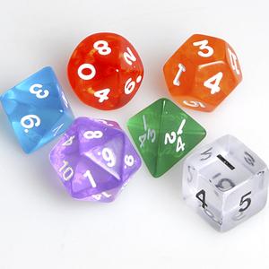 Weible Spiele Würfel mehrseitig transpa- rent, 6 Stück, Kunststoff, in Klarsichtbox, assortiert 61940320