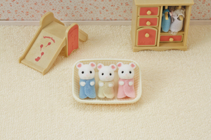Sylvanian Families Marshmallow Mouse Triplets 5337A2