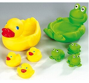 HAPPY PEOPLE Bade-Familie Ente u. Frosch assortiert, 3 Kinder 6 cm, Mutter 20 cm, Vinyl 4640152
